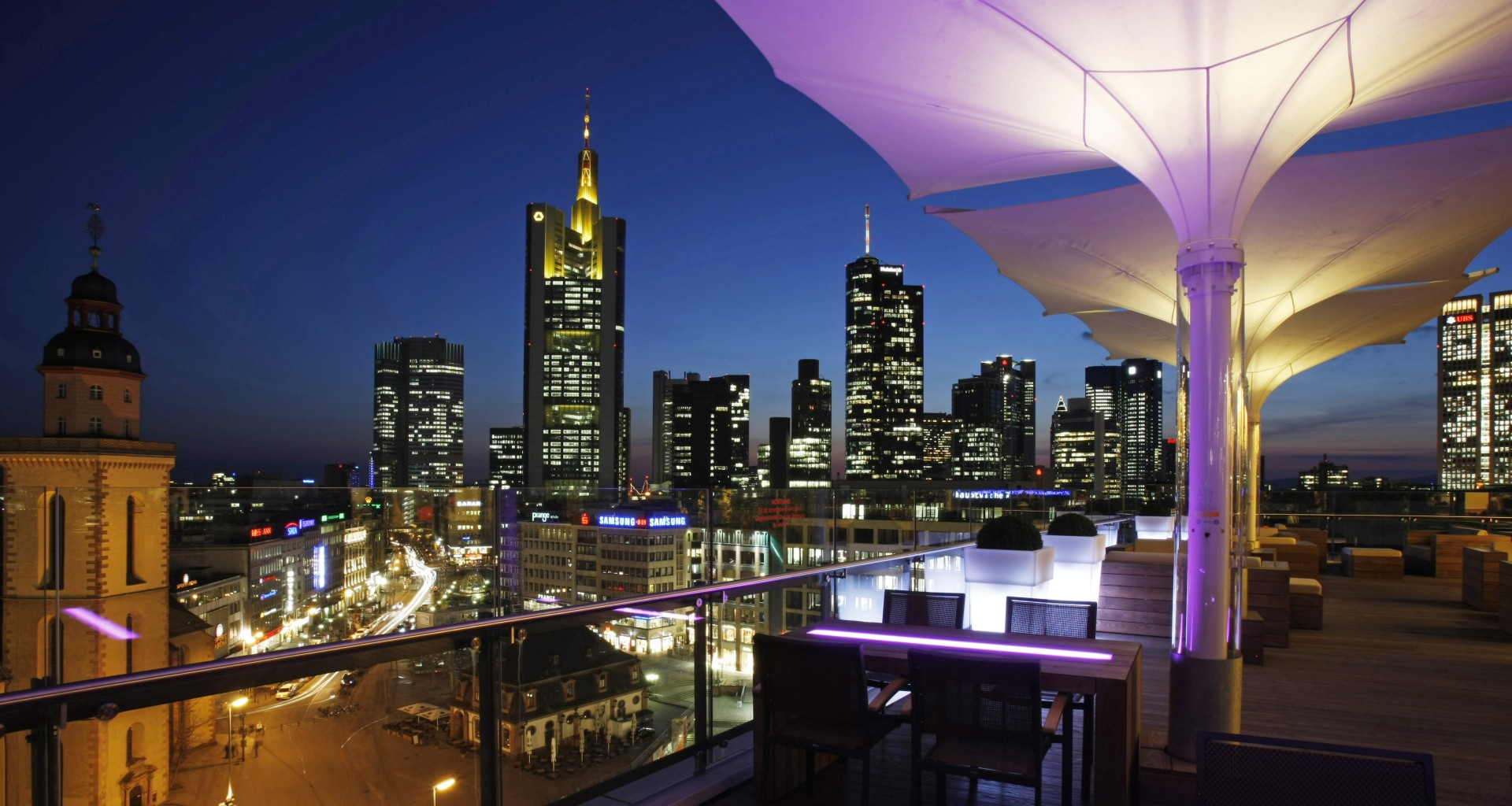 7 party with a view leonhard 39 s skyline dachterasse frankfurt am main. Black Bedroom Furniture Sets. Home Design Ideas