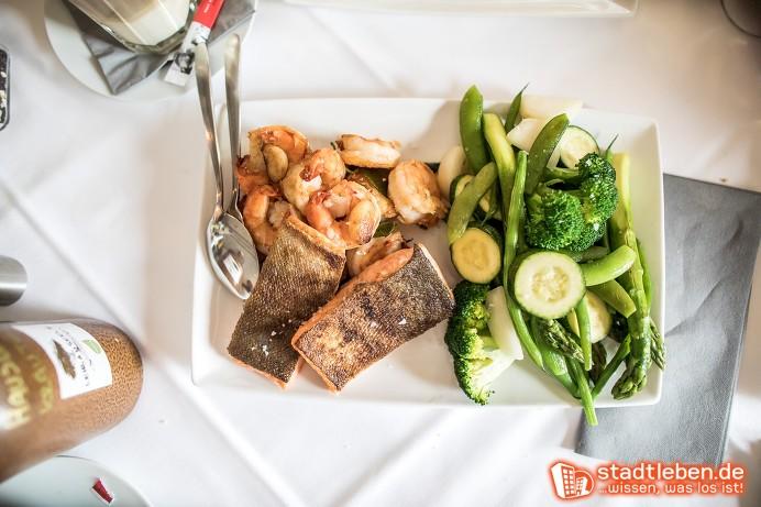 Ostermenü: Fisch mit grünem Gemüse und Beilage