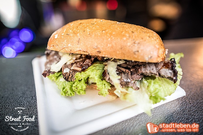 Sandwich mit saftigem Fleisch