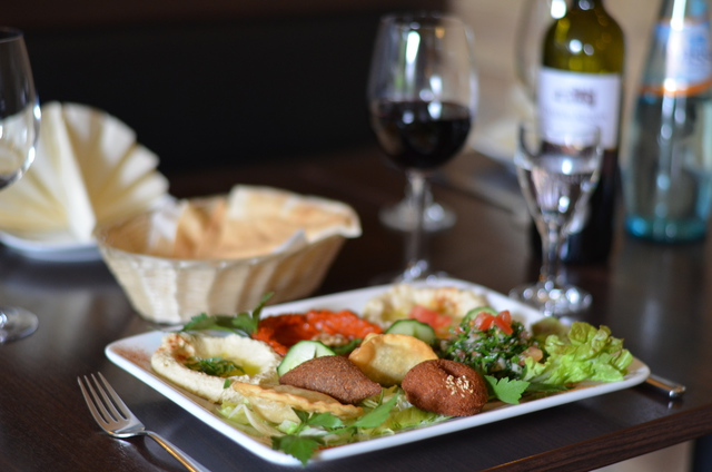 libanesisches Essens, Chateau Kefraya, Restaurant, lecker, Erbenheim, Wiesbaden, Teller, Speise