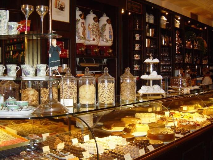 Café Maldaner, Theke, Kuchen, Café, Kaffee, Leckereien