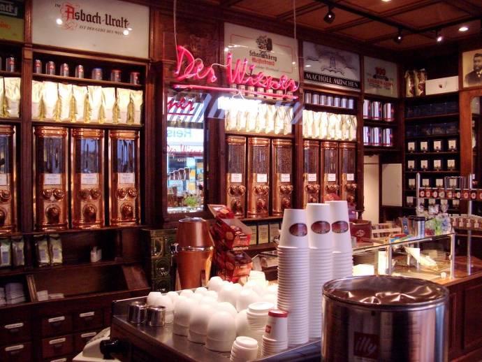 Der Wiener Kaffee, Theke, Kaffeehaus, Bestellservice, Kaffeebecher