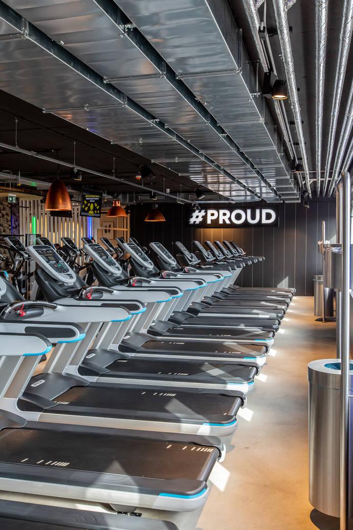 McFit Fitnessstudio - Laudbänder