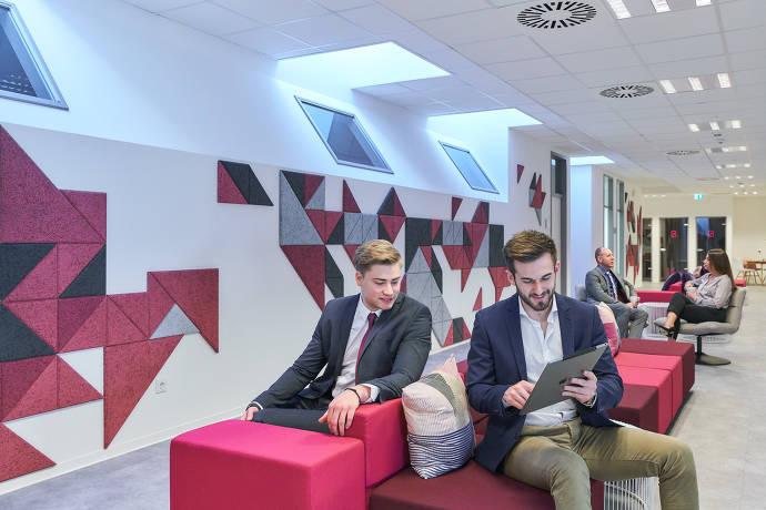 Lounge - First Choice Business-Center