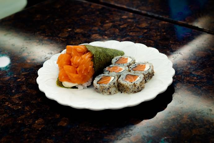 Temaki & Inside Out Rolls