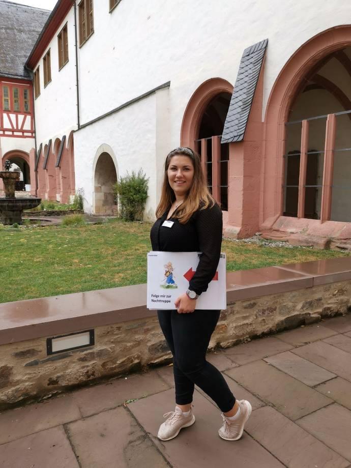 Begleiterin für Kloster-Rallye