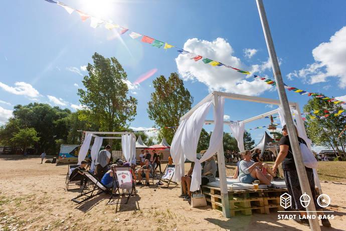 Walalata PopUp Beach Lounge