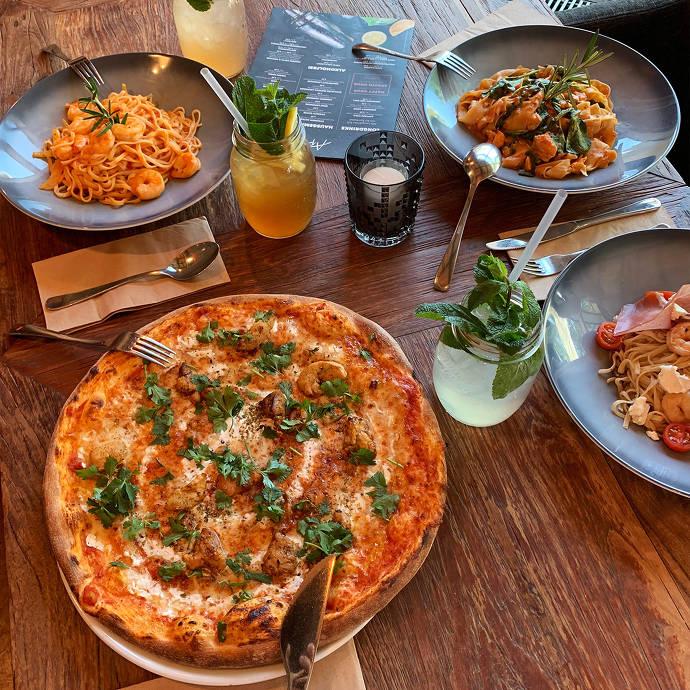 Nudel- und Pizzagerichte im Aposto