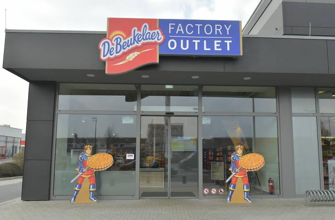 Aussenansicht des DeBeukelaer Factory Outlets