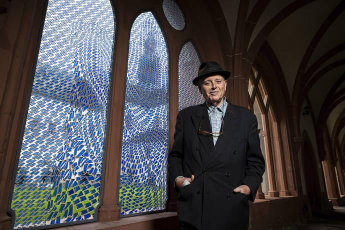 Pietà-Fenster von Thomas Bayrle