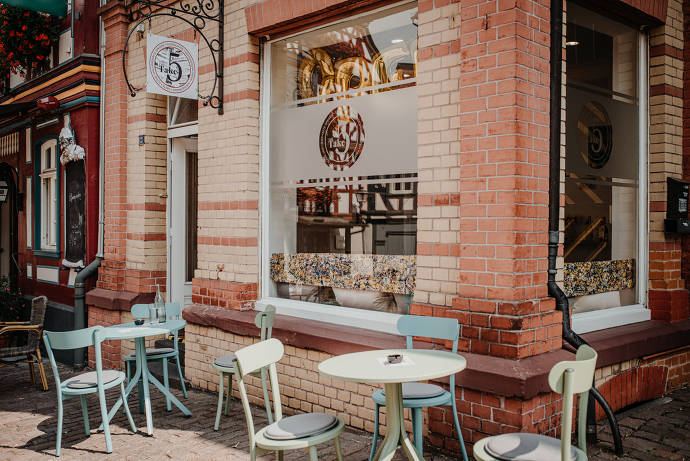 Außenansicht Café Take Five