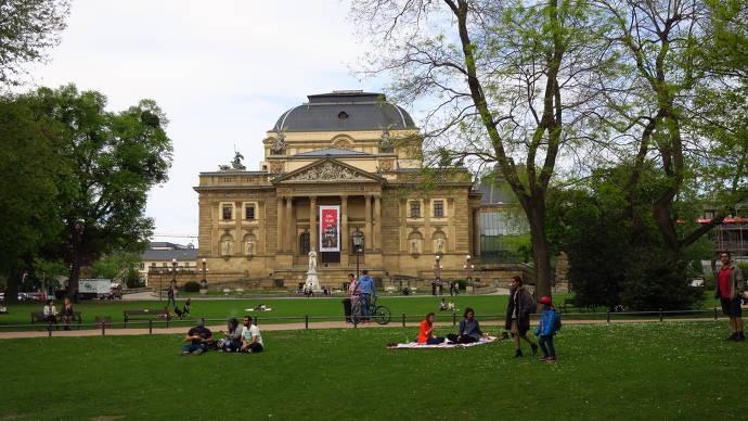 Kurpakr, Wiesbaden, Staatstheater, Menschen, Park
