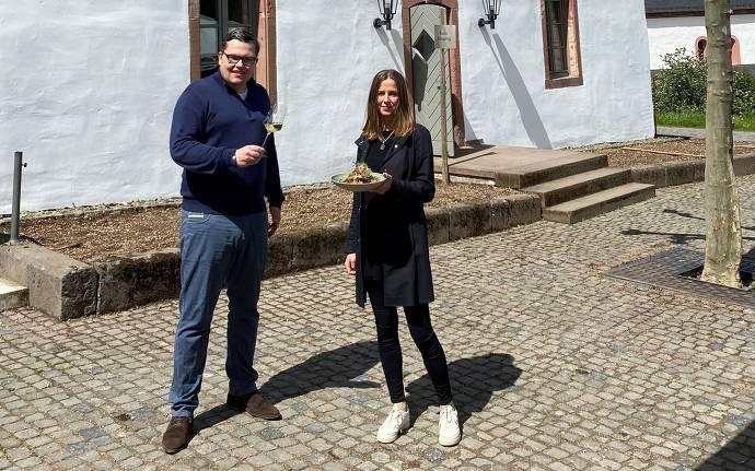 Jens Foerster, Hoteldirektor und Leiter Klosterbetrieb und Katharina Thurau, Betriebsleiterin Gastronomie in Kloster Eberbach (11te Generation)