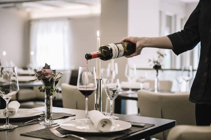 Weinglas, Rotwein, Restaurant, Weinflasche