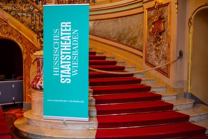 Hessisches Staatstheater Wiesbaden, Sehenswürdigkeit, Foyer, Treppe