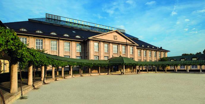 Henkell Haupthaus seitlich