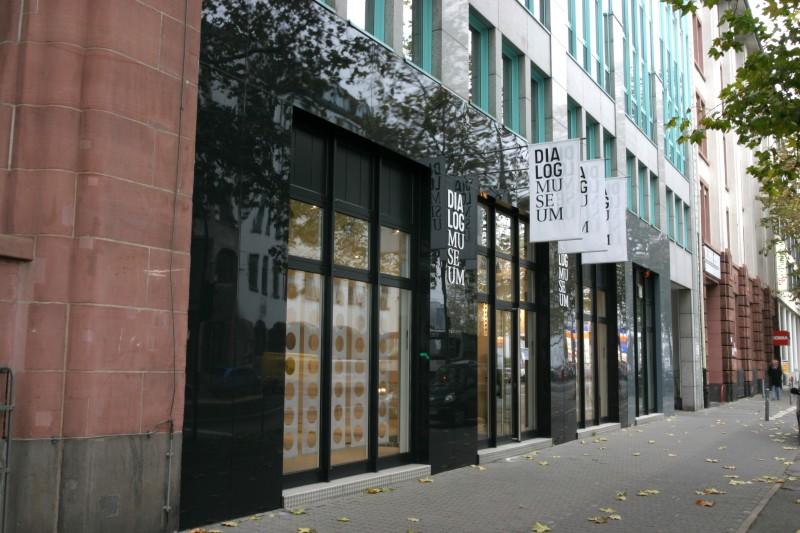 dialog museum frankfurt. Black Bedroom Furniture Sets. Home Design Ideas