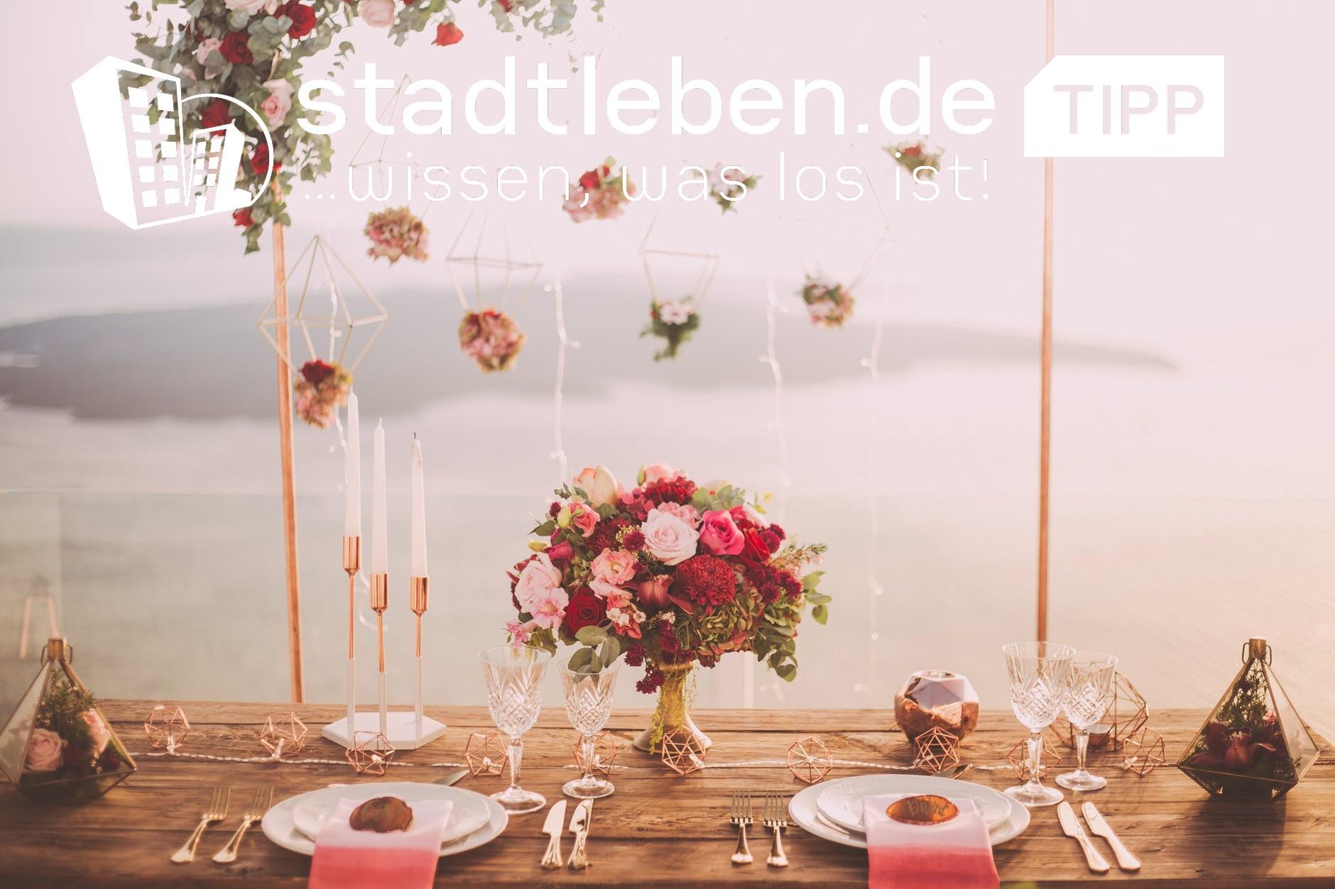Menschenmengen, Hochzeitsveranstaltung, Braut und Bräutigam, Kinder, Familie