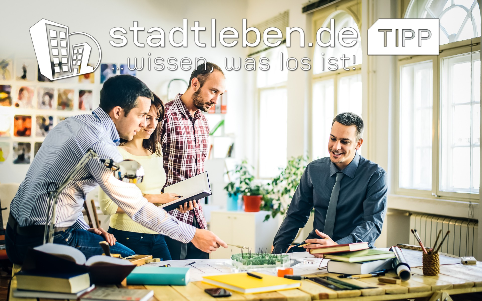 Team, Männer, Frau, Papierkram, Bücher, Arbeit