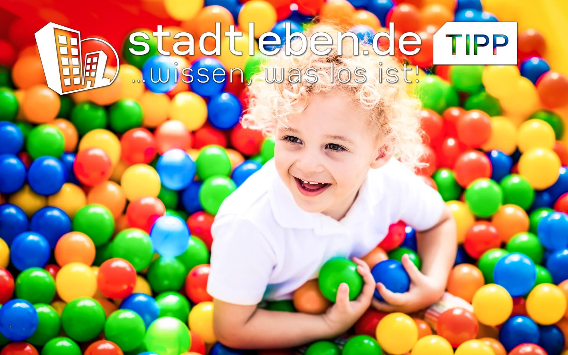 lächelndes Kind, Spielbälle