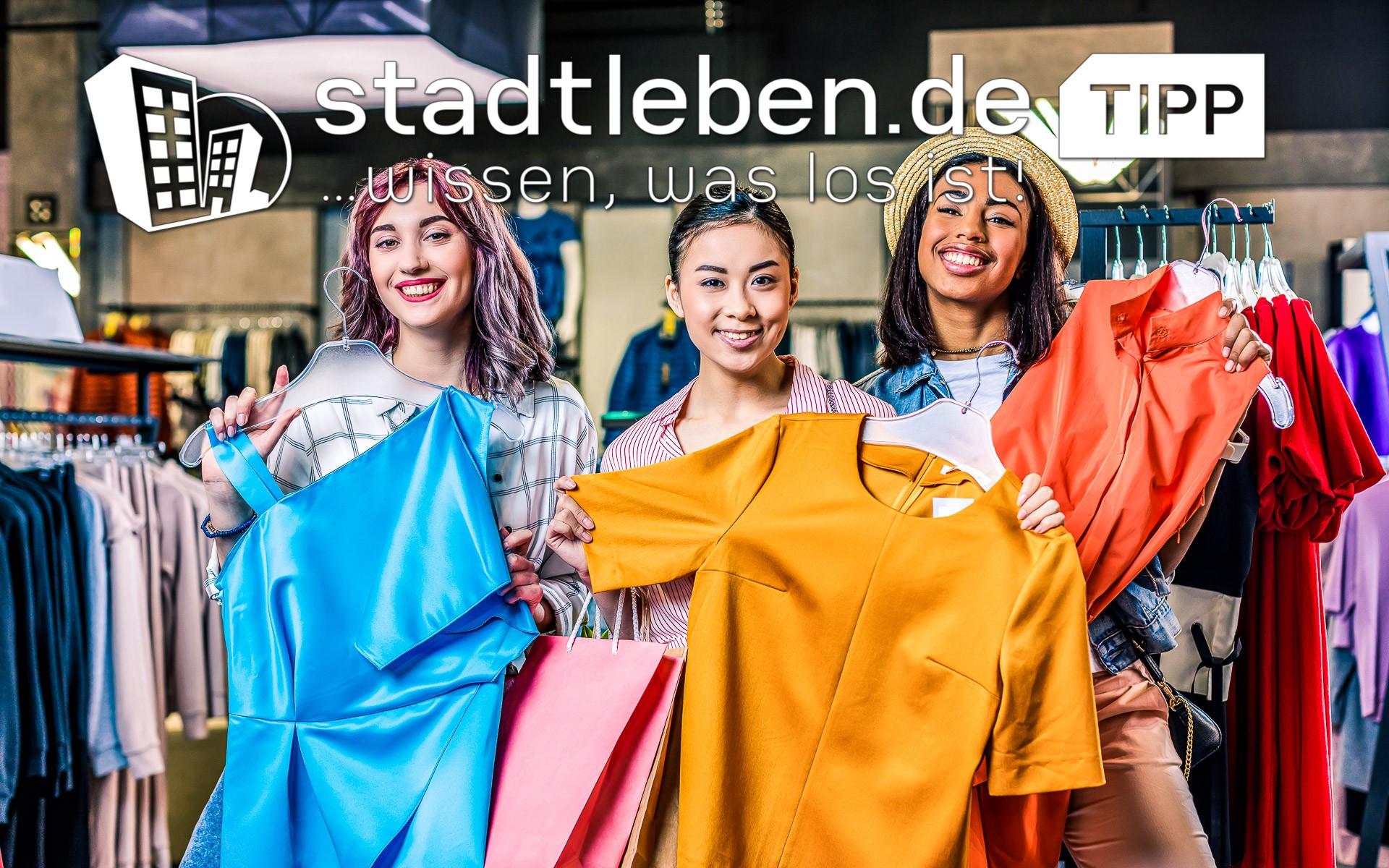 Frauen, Kleidung, bunt, glücklich, Shopping