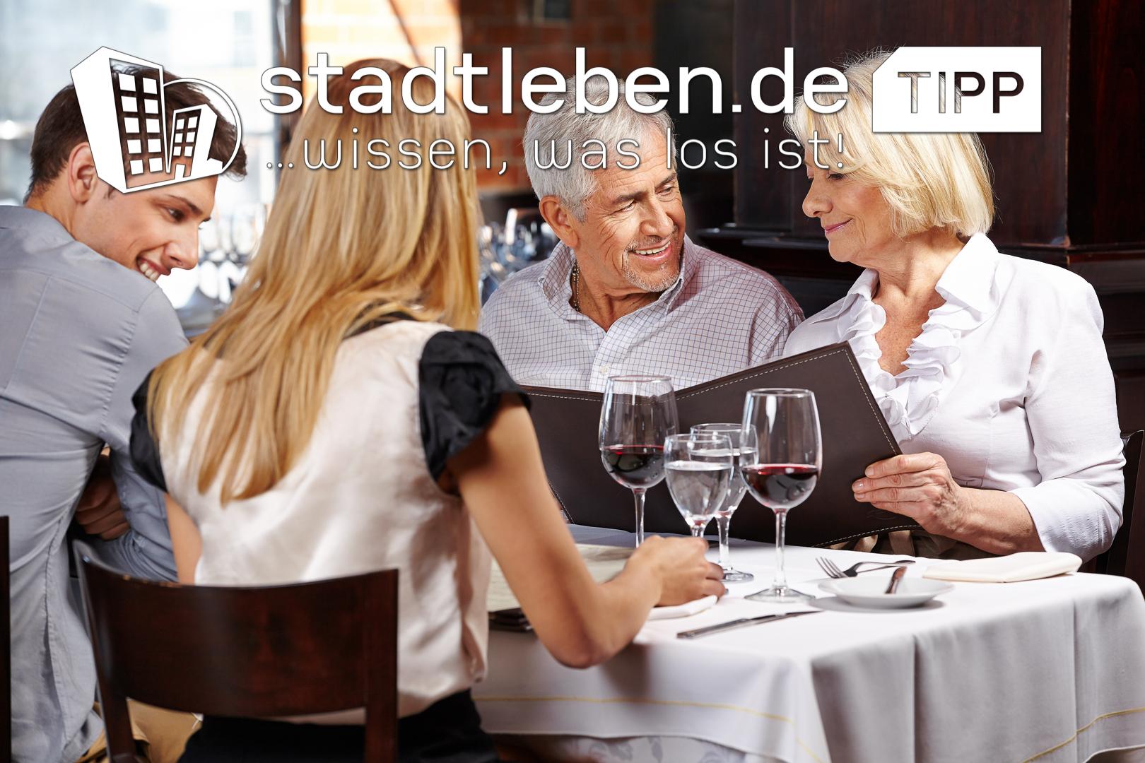 Wein, Ausgehen, Lokal, Tradition, Essen, Restaurant, Familie, Paar, heimisch
