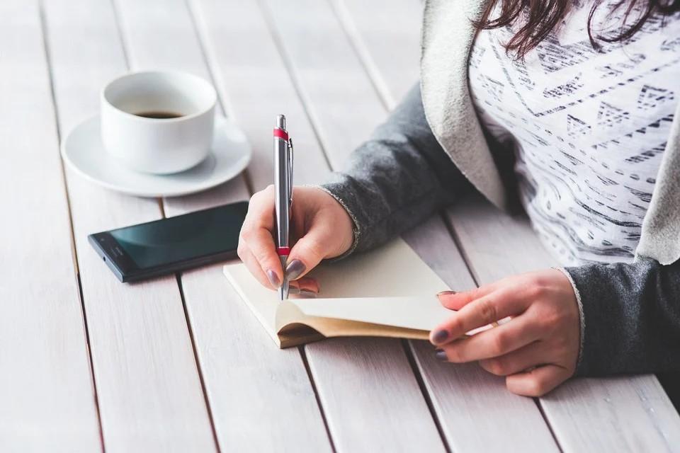 Frau, Mädchen, Stift, Notizbuch, Tasse