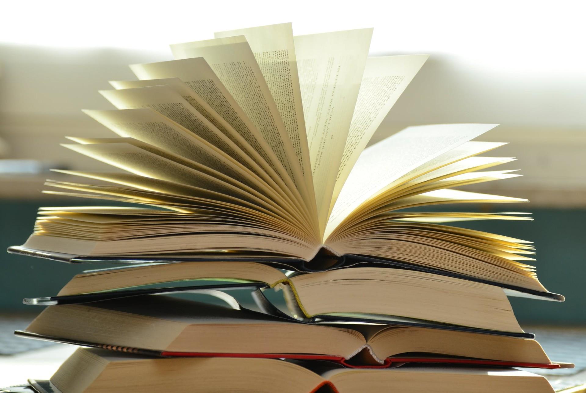 Bücher, Seiten, Schrift, Buchstaben