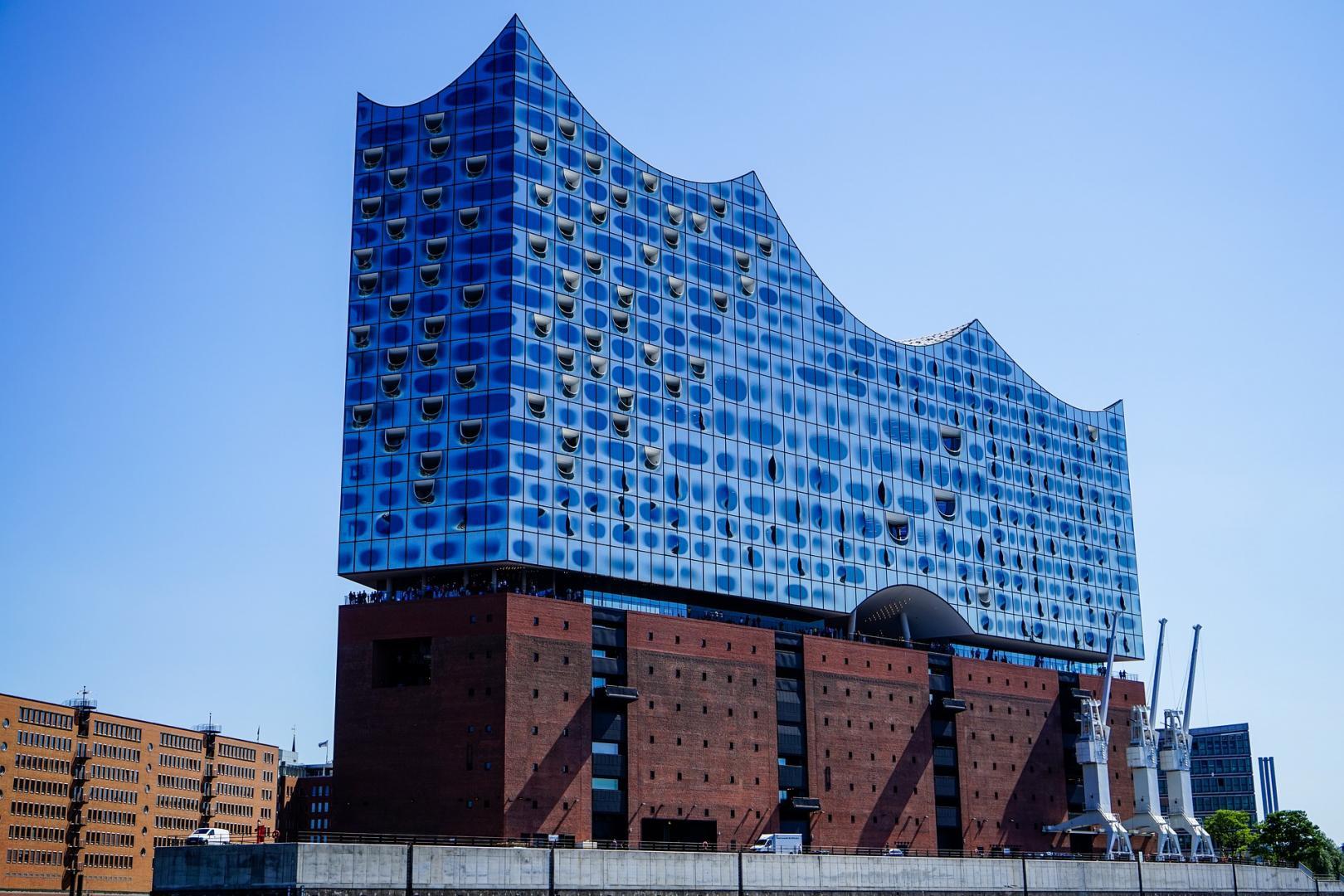 Heute ist das alles vergessen. Die Elbphilharmonie ist das neue Wahrzeichen der Stadt.