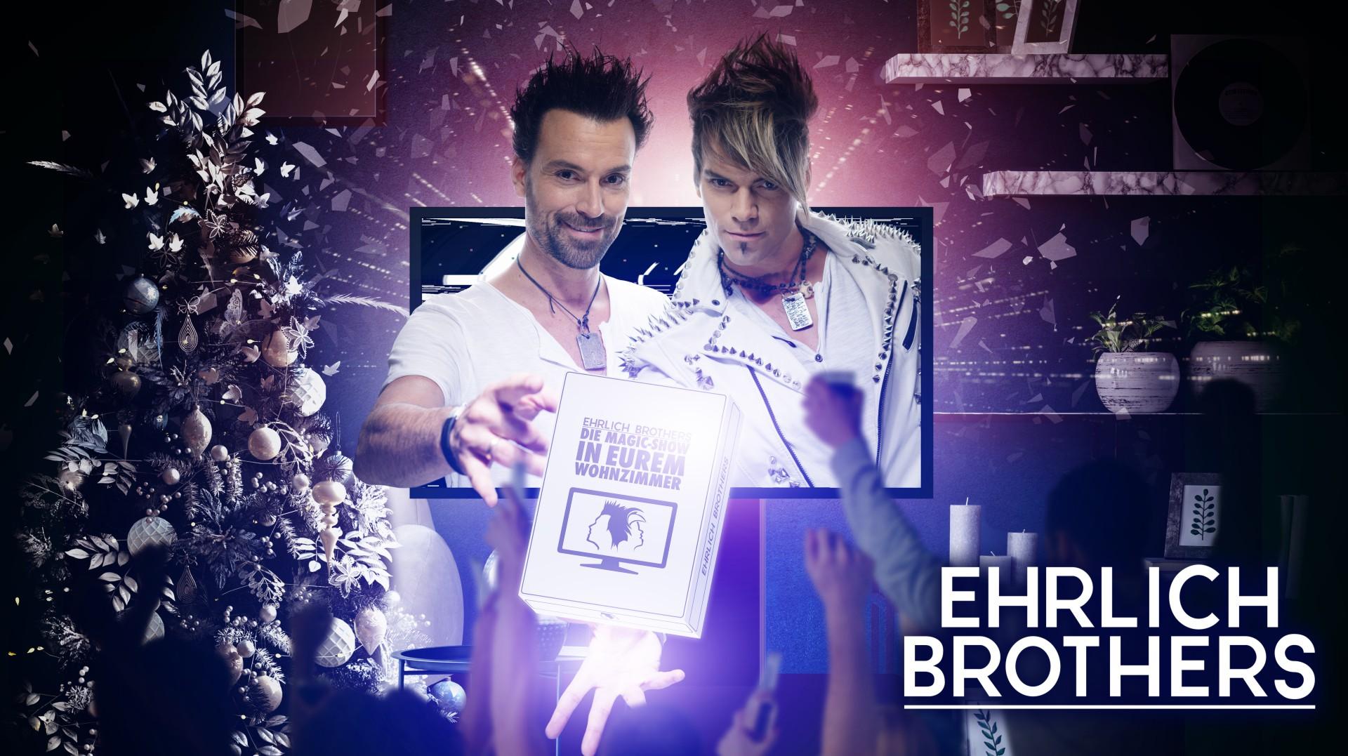 Ehrlich Brothers, Weihnachtsbaum, Wohnzimmer, jubelnde Familie