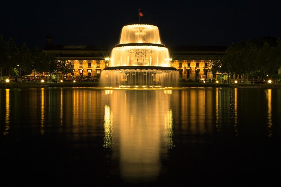 Wiesbaden, Kurhaus, Wahrzeichen, Sehenswürdigkeit, Springbrunnen, Bowling Green, Casino